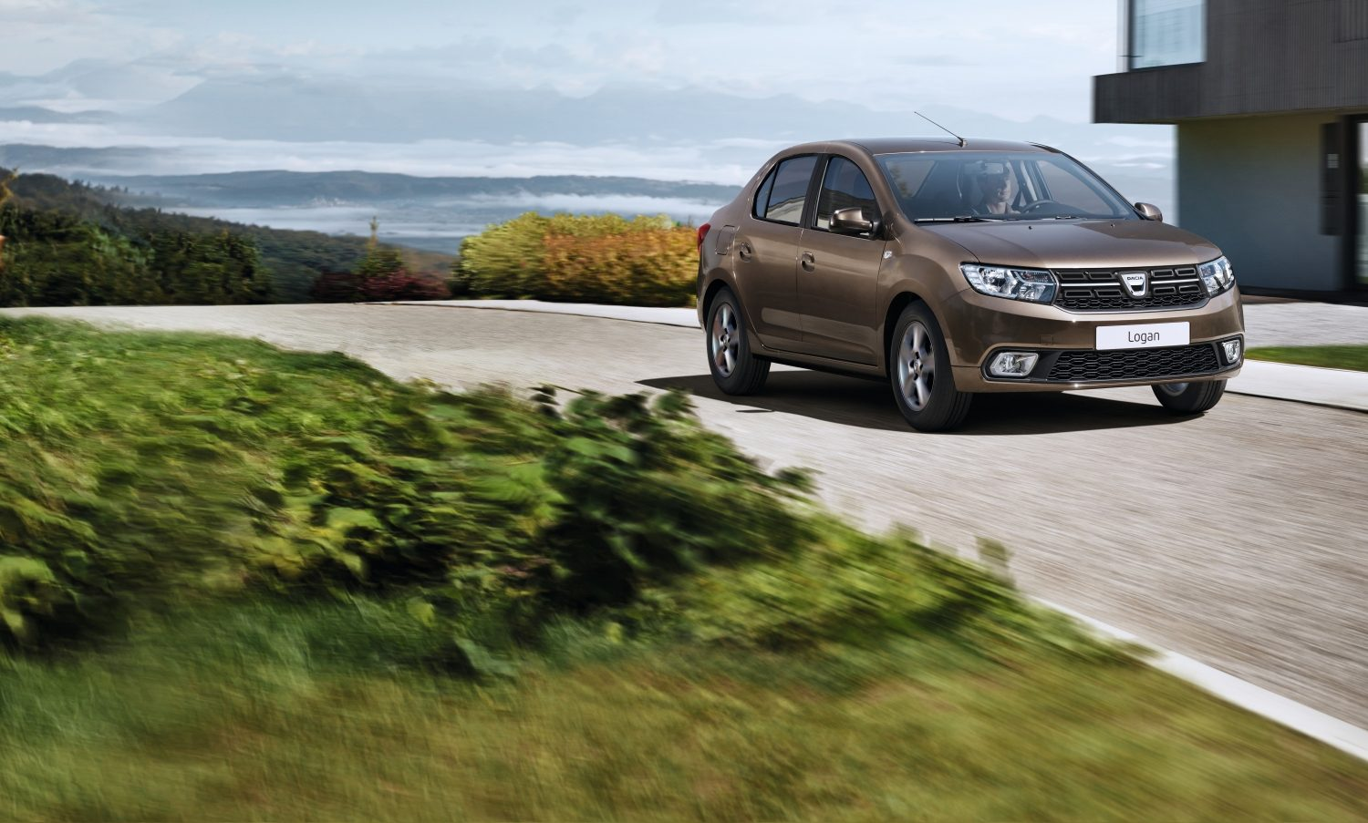dacia-logan-l52-ph2-beauty-shot-desktop.jpg.ximg.l_full_m.smart.jpg